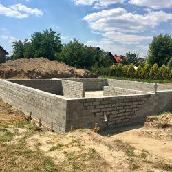 Wykonanie ścian fundamentowych pod budowę domu jednorodzinnego w Krzyżanowicach - BAUMAG - fot.1