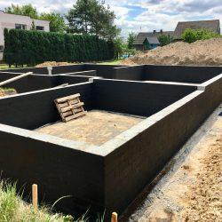 Wykonanie ścian fundamentowych pod budowę domu jednorodzinnego w Krzyżanowicach - BAUMAG - fot.9