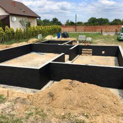 Wykonanie ścian fundamentowych pod budowę domu jednorodzinnego w Krzyżanowicach - BAUMAG - fot.12