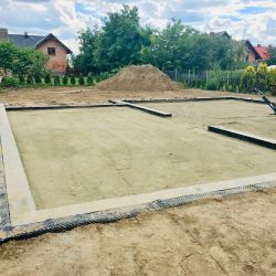 Zalanie fundamentów pod budowę domu jednorodzinnego w Krzyżanowicach - BAUMAG - fot.1