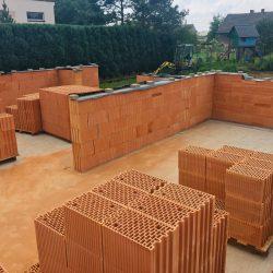 Wykonanie ścian nośnych - stan surowy otwarty domu jednorodzinnego w Krzyżanowicach - BAUMAG - fot.2