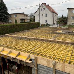 Wykonanie stropu nad piwnicą. Nadbudowa domu jednorodzinnego w Raciborzu - BAUMAG - fot.1
