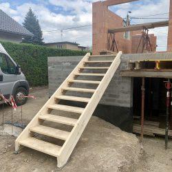 Wykonanie schodów wejściowych - fot.1