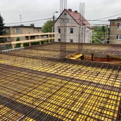 Wykonanie stropu nad parterem. Nadbudowa domu jednorodzinnego w Raciborzu - BAUMAG - fot.5