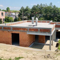 Dom jednorodzinny niepodpiwniczony w stanie surowym otwartym w Owsiszczach - BAMUAG - fot.2